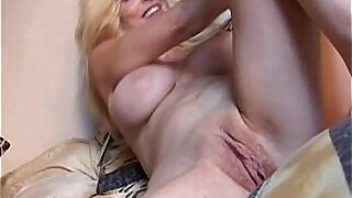Asian Mommy Toying Her Tiny Pussy - 10:33