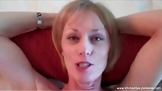 Pretty wooden granny gives blowjob after making toast - 17:44