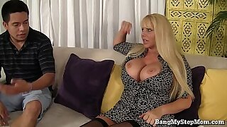 Real Pregnant Hot MILF Taking Her Pussy Down - 7:41