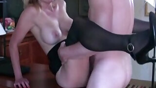 Hot MILF fucks at interview to get the job - 7:00
