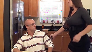Madisin lee in milf mom helps son with his term paper blue balls - 4:00